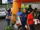Mudas de plantas são distribuídas no Parque dos Bilhares, em Manaus