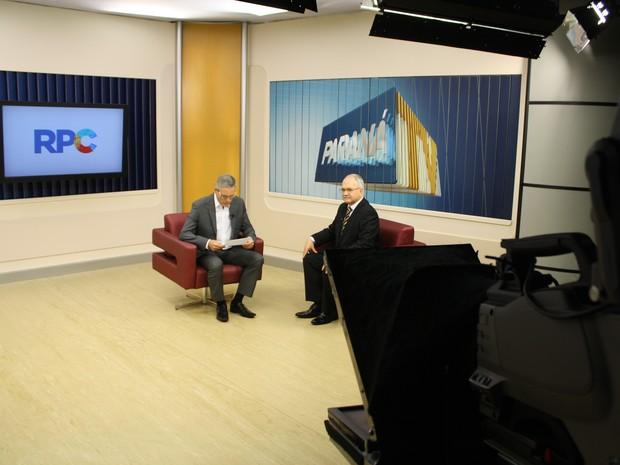 Ministro deu entrevista ao Paraná TV 1ª edição, em Curitiba (Foto: Alexander de Marco/ RPC)