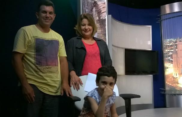 Telespectador realiza o sonho de conhecer a apresentadora Selma Gonçalves da Inter TV (Foto: Valdivan Veloso)