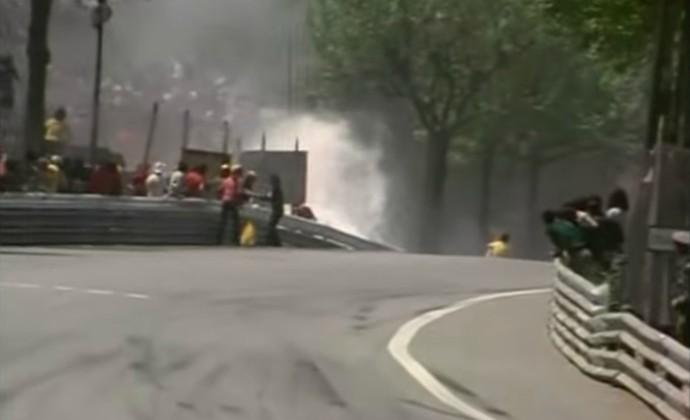 Na 26ª volta, o alemão Rolf Stommelen voou em direção à arquibancada e acabou matando cinco espectadores (Foto: Reprodução / YouTube)