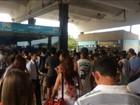 Rodoviária de Cabo Frio fica lotada e passageiros reclamam de atrasos