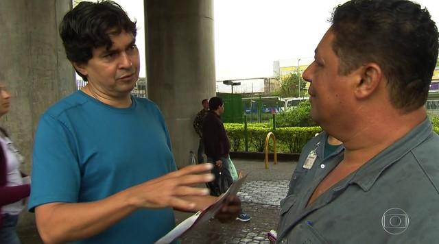 Altino de Melo faz campanha na estação de Metrô do Capão Redondo
