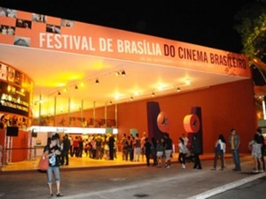 Fachada do Cine Brasília, que sedia o festival (Foto: Brito/Agência Brasília)