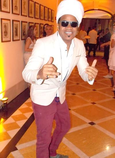 Carlinhos Brown - cantor passou pelo Copa antes do show (Foto: Dani Barbi)
