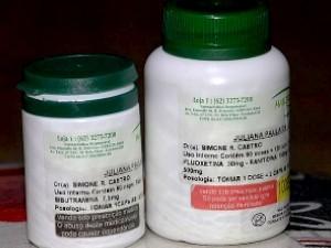 Medicamentos usados por Juliana para emagrecer, Goiás (Foto: Reprodução TV Anhanguera)