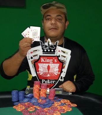Douglas Todd foi o campeão do primeiro torneio da King's Poker Club (Foto: Arquivo Pessoal)