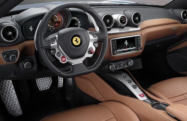 49b3bb32eb Nova Ferrari Califórnia T é lançada no Brasil por R$ 1,68 milhão ...
