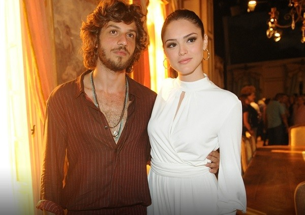 Chay Suede e Isabelle Drummond viverão um romance em Novo Mundo, na pele de Joaquim e Anna (Foto: TV Globo/ Maurício Fidalgo)