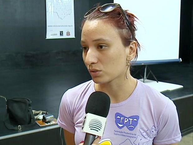 Luana estudou teatro em Curitiba (PR) e foi para Presidente Prudente quando terminou a faculdade (Foto: Reprodução/TV Fronteira)