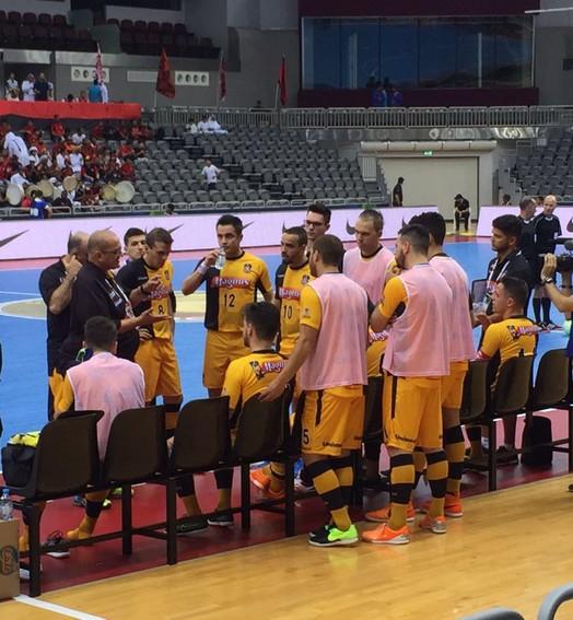 COMPLICOU (Guilherme Mansueto/ Magnus Futsal)