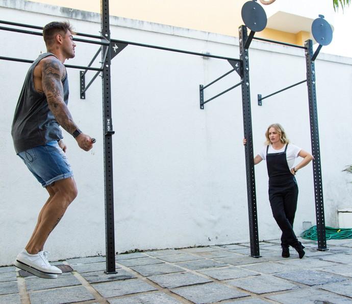 Angélica acompanha treino de Lucas Lucco (Foto: Fabiano Battaglin/Gshow)