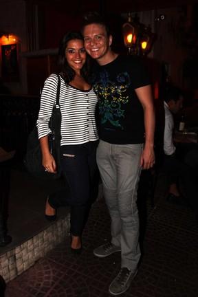 Michel Teló e Thais Fersoza jantam em restaurante em São Paulo (Foto: Paduardo/ Ag. News)