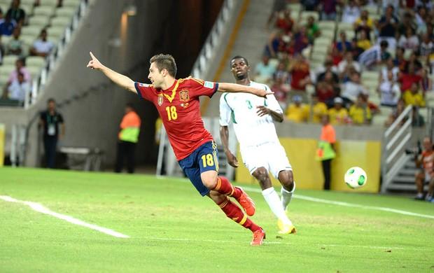 Jordi Alba comemora 3° gol da Espanha contra a Nigéria (Foto: Andre Durão)