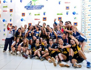 AESO-PE e UNISANT'ANNA-SP tricampeãs de handebol na LDU de Quadras. Foto:Alexandre Cavarzan esporte estudantil  (Foto: Dovulgação/CBDU)