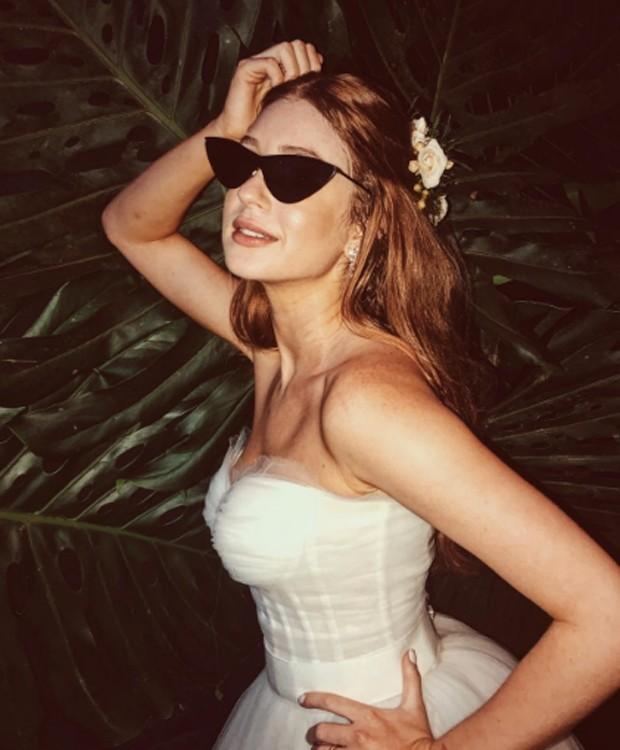Hits do verão! 11 óculos escuros que são febre entre as famosas ... af725f4d7e
