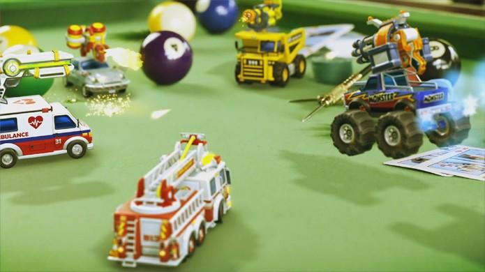 Micro Machines World Series traz clássico de volta com foco em combates (Foto: Reprodução/YouTube)