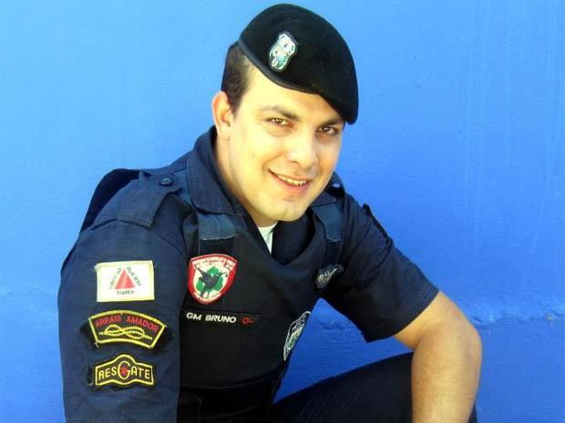 Ganhador pretende continuar sendo guarda municipal para ajudar pessoas (Foto: Bruno Ricelli/Arquivo Pessoal)