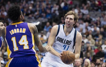 Lakers caem para o Dallas Mavericks na pior derrota da história da equipe