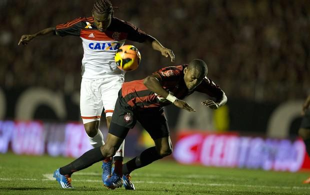 Marcelo Atlético-PR Flamengo (Foto: Hedeson Alves/VIPCOMM)