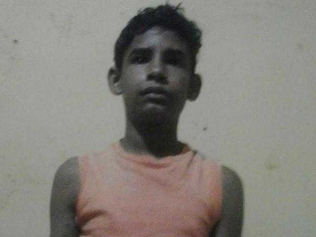 Estudante Amauri Júnior, 14 anos, foi atingido por raio e recebeu alta Luziânia Goiás (Foto: Daiane Bezerra/Arquivo pessoal)