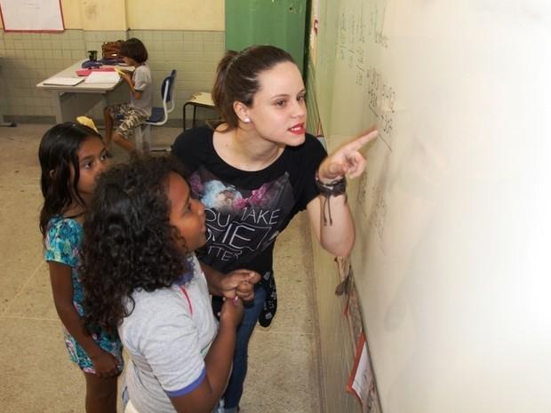Professora com 2% de visão dá lição de vida em sala de aula (Foto: Marcos Fernandez/ Prefeitura de Vila Velha)