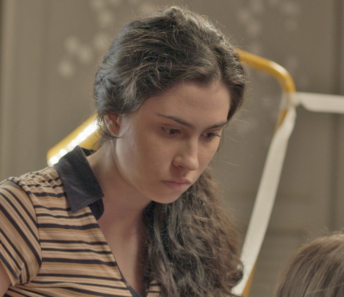 Débora perde a paciência com a irmã (Foto: TV Globo)