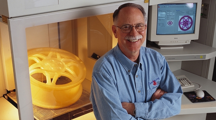 Chuck Hull, inventor da primeira impressora 3D (Foto:industryweek/Reprodução)