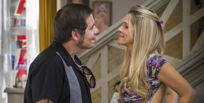 Qual será o fim de Genésio e Marlene? Não deixe de assistir o último episódio da primeira temporada de 'Chapa Quente'.  (Foto: Globo/Caiuá Franco)