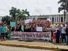 PMs, bombeiros e mulheres fazem ato em frente à Governadoria do RN