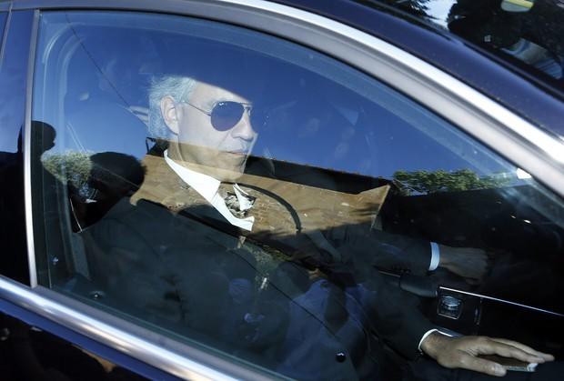 Andrea Bocelli chegando para o casamento Kim Kardashian e Kanye West (Foto: Agência Reuters)