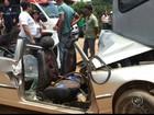Acidente entre carro e ônibus coletivo deixa feridos em Mairinque