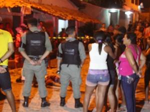 Polícia Militar isolou o local para ser periciado (Foto: Ellyo Teixeira/G1)