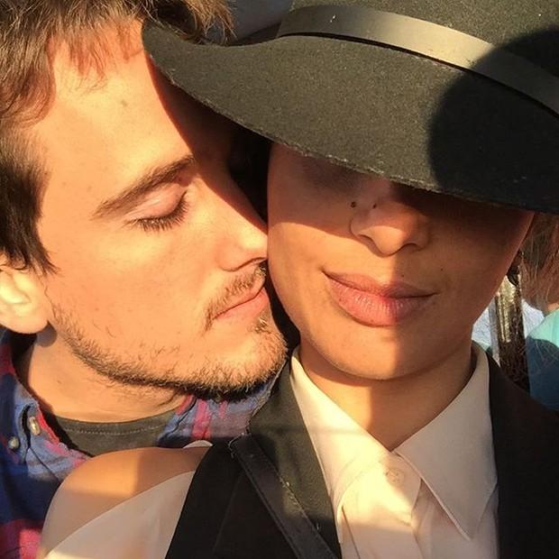 Camila Pitanga posta foto romântica com o namorado, Igor Angelkorte (Foto: Reprodução/Instagram)