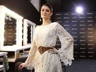 Isabeli Fontana revela truque antes de desfile de biquíni: aparelho estético