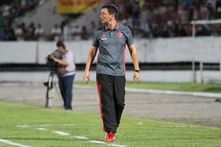 Santa Cruz x Flamengo Zé Ricardo (Foto: Aldo Carneiro / Pernambuco Press)