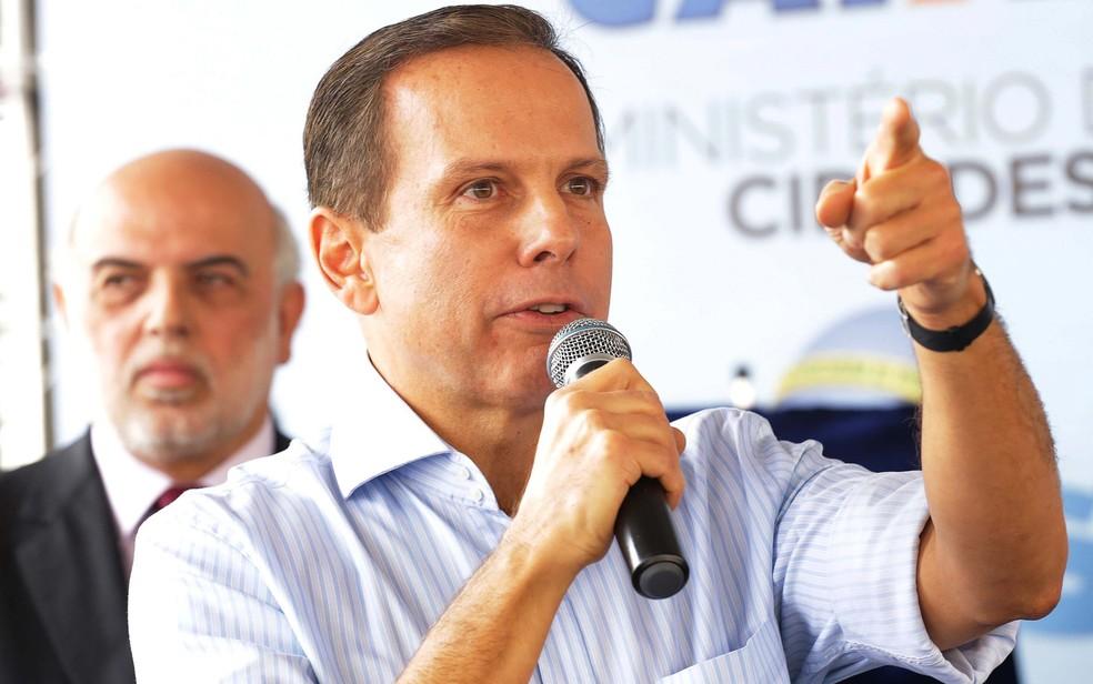 O prefeito de São Paulo, João Doria, discutiu com homem durante entrega de moradias na Zona Sul de SP (Foto: Newton Menezes/Estadão Conteúdo)