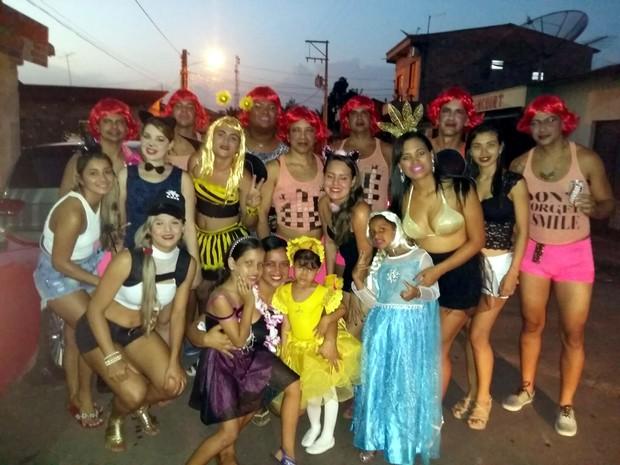 Foliões buscam novas ideias para economizar nas fantasias de Carnaval  (Foto: Glauber Marques / Arquivo Pessoal)