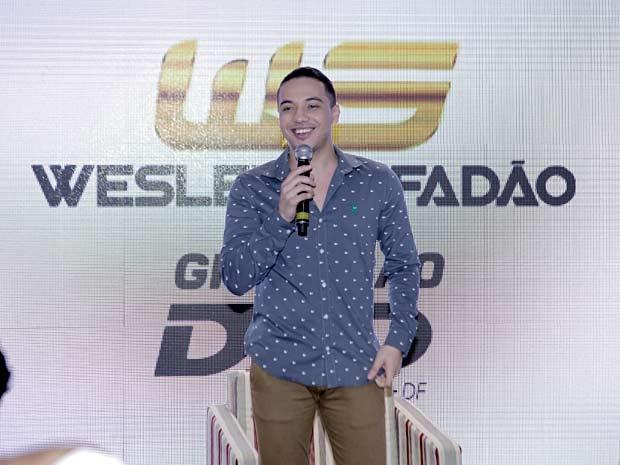 O cantor Wesley Safadão durante entrevista sobre gravação de DVD em Brasília (Foto: Ederson Lima/Divulgação)