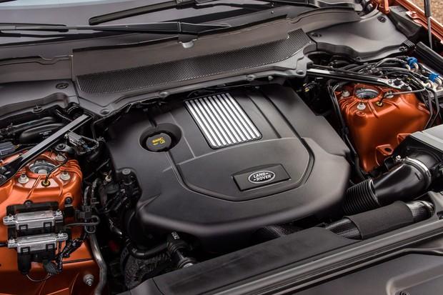 Motores V6 têm 3,0 litros tanto na versão a gasolina comprimida quanto na turbodiesel (Foto: Divulgação)