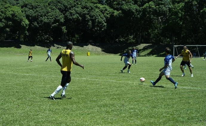Time do Espírito Santo venceu o Rio Branco-ES por 1 a 0, na última sexta-feira, no campo da Aert, na Serra (Foto: Richard Pinheiro/GloboEsporte.com)