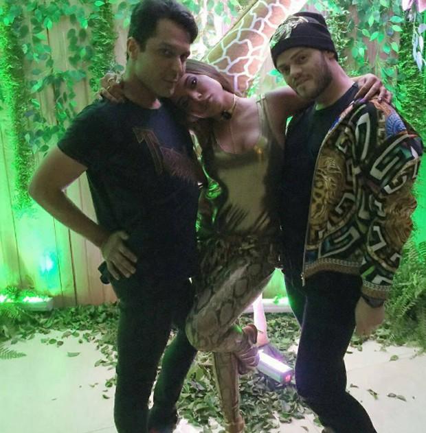 Renner Souza, Anitta e Henrique Martins (Foto: Reprodução/Instagram)