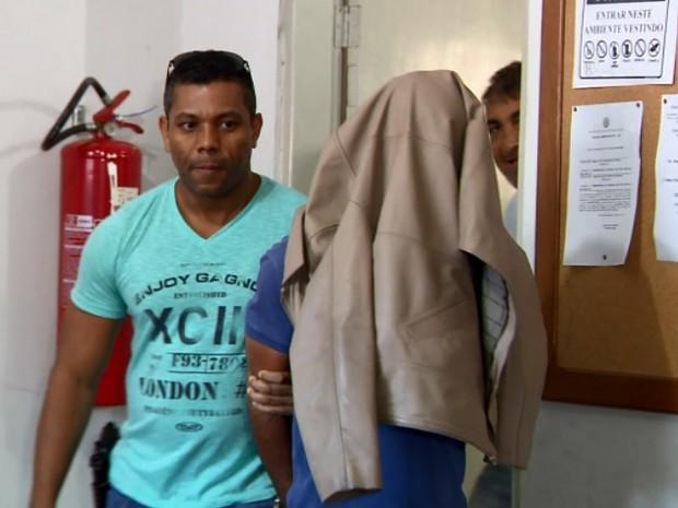 Homem de 40 anos é preso suspeito de abusar da filha nos últimos 12 anos em São Gonçalo do Sapucaí (Foto: Reprodução EPTV)