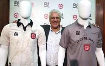 Camisa Vasco nova dinamite (Foto:  Luiz Pires / VIPCOMM)