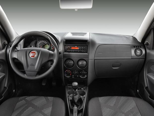 Interior do Fiat Palio 2016 (Foto: Divulgação)
