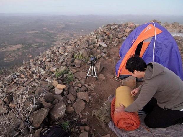 Fotógrafos acamparam no Pico do Cabugi, vulcão adormecido e ponto mais alto do Rio Grande do Norte (Foto: Canindé Soares)