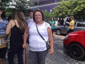 Solange Maria da Costa, 55 anos, vai prestar Exame da OAB pela sexta vez (Foto: Gilcilene Araújo/G1)