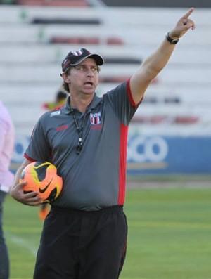 Ivan Baitello, técnico do Botafogo-SP (Foto: Rogério Moroti / Ag. Botafogo)