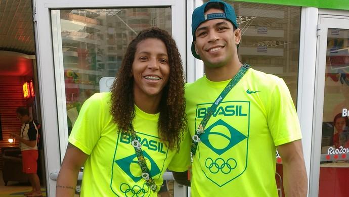 Rafaela Silva e Alex Pombo, do judô (Foto: Marta Esteves)