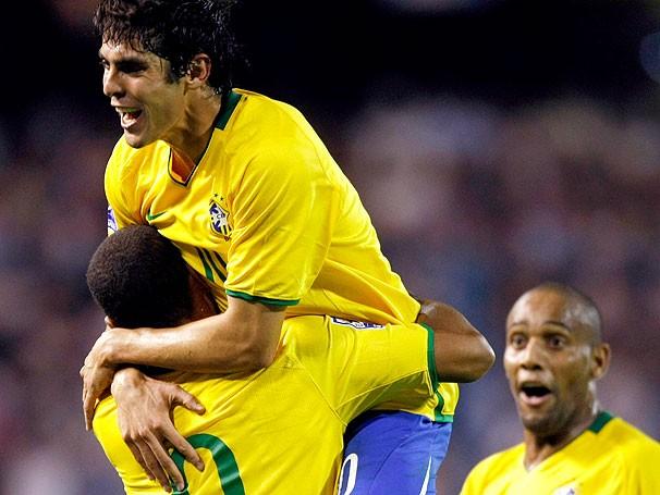 Luis Fabiano, kaká, Maicon Brasil x Argentina (Foto: EFE)