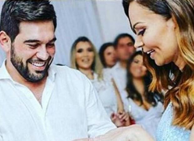 De surpresa, Solange Almeida se casa no Ceará; saiba detalhes